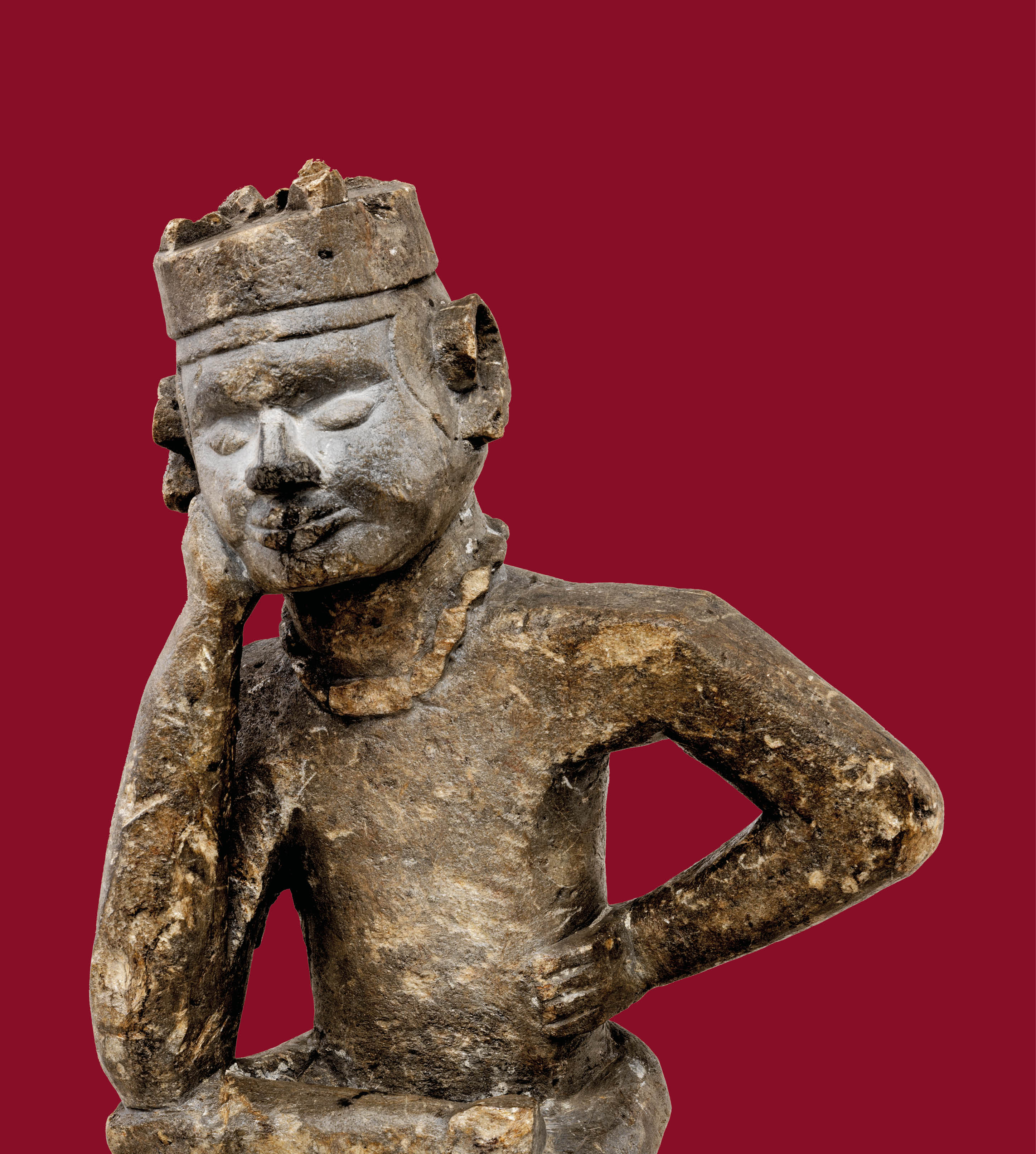 Foto van een grafbeeld (fumani / denker). Kongo volken. Ongedocumenteerde beeldhouwer, Kongo volken. Noord-Angola/Dem. Rep. Congo. Steatiet. Voor 1920. Aankoop kunsthandelaar Henri Pareyn, 1920